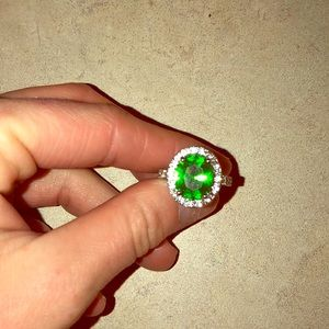 Size 71/2 Peridot huge diamond ring